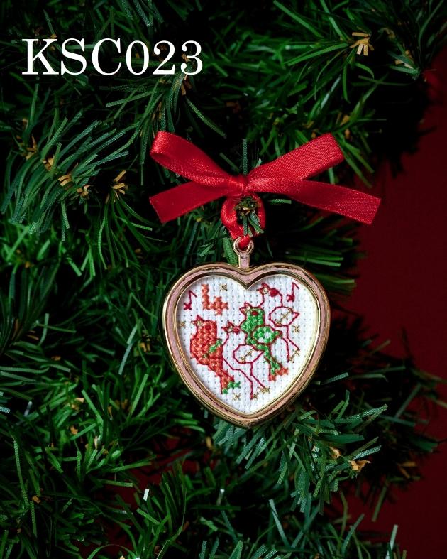 Maria Diaz Designs Four Calling Birds Xmas Tree